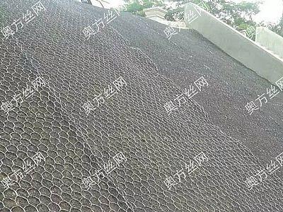 加筋麦克垫广泛应用于边坡表层冲刷防护